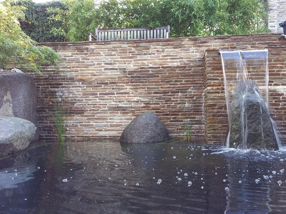 Wasserfall am Koiteich