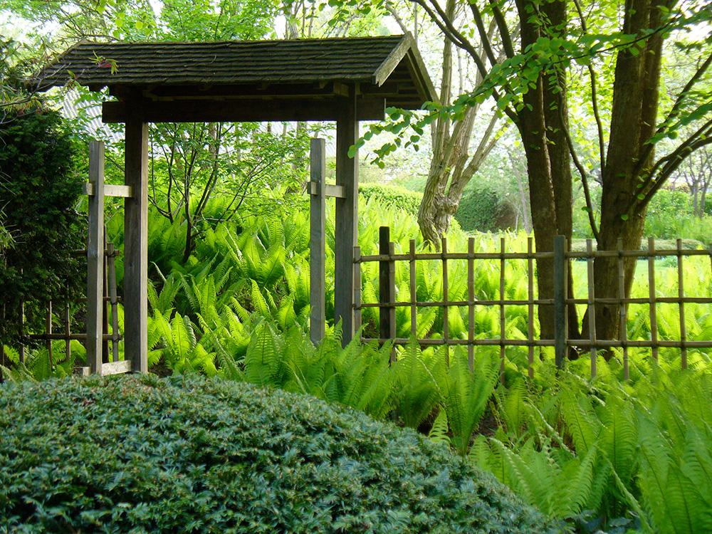 Eingangstor zum japanischen Teegarten in Bartschendorf