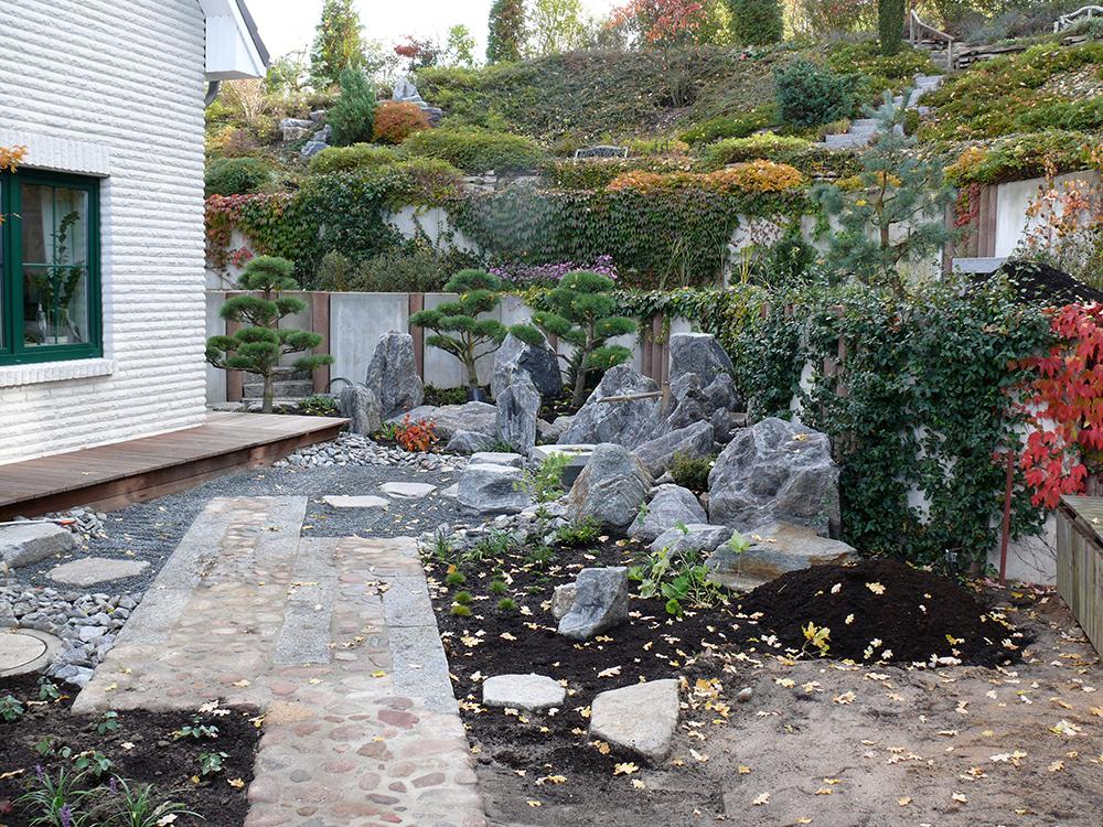 Bau des japanischen Gartens in Burg Stargard